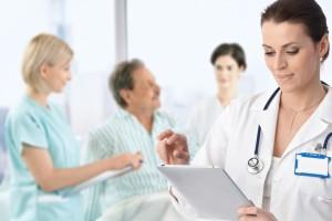 Dodatkowe zawody: jakiej pomocy potrzebują lekarze i pielęgniarki?