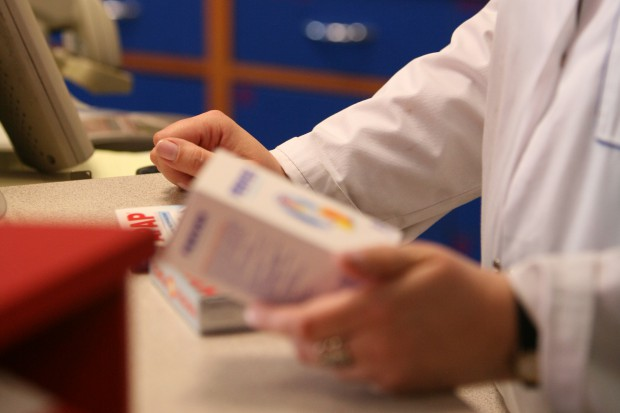 """Przepisy o """"aptece dla aptekarza"""" dzielą przedsiębiorców i farmaceutów"""