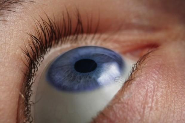 Lubelscy okuliści testują nową metodę badania oka… smartfonem