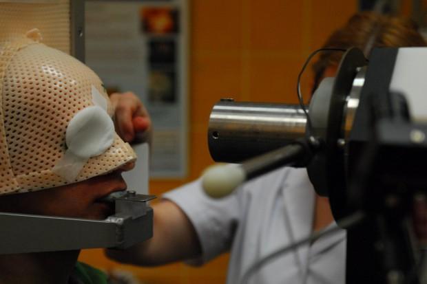 Kraków: pacjent z glejakiem kwalifikuje się do protonoterapii w Niemczach, w Polsce - nie