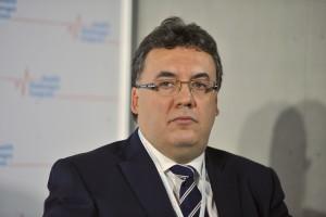 Prof.  Robert Rejdak: przed kąpielą należy zdjąć soczewki