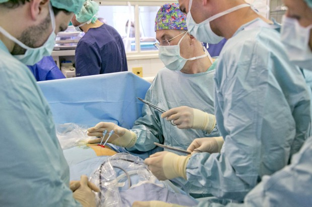 Warszawa: pierwsza w kraju operacja rozszczepu kręgosłupa u płodu