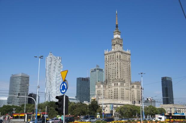 Warszawa: w lokalach należących do miasta wciąż truje 1700 pieców-kopciuchów