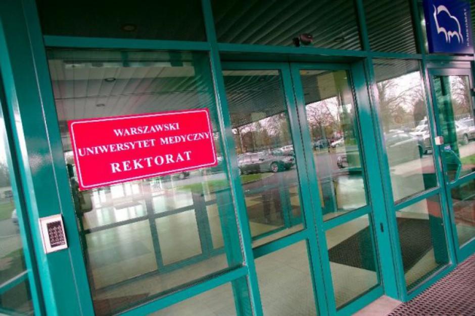 """Warszawa: komitet protestacyjny przeciwko """"dzikiej konsolidacji"""" szpitali WUM"""