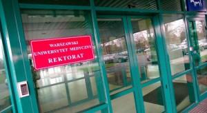 Rektor WUM proponuje kontynuację mediacji między protestującymi lekarzami a rządem