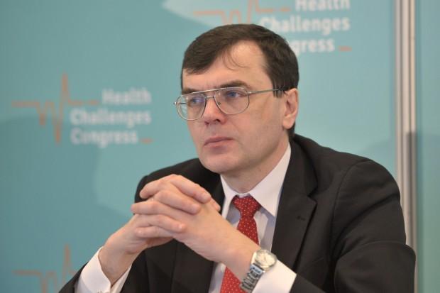 Prof. Małecki: wynagrodzenia początkujących lekarzy są rażąco niskie