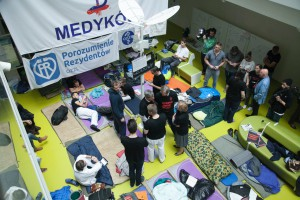 Warszawa: protestujący rezydenci złożyli w KPRM pismo z postulatami