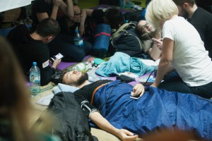 Nie wyjeżdżają i manifestują poparcie dla protestujących rezydentów