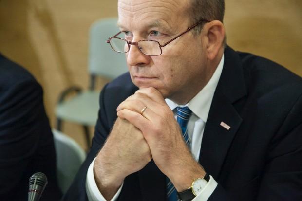 Minister Radziwiłł obchodzi dziś 60. urodziny. Jeśli zostanie w MZ, dostanie...