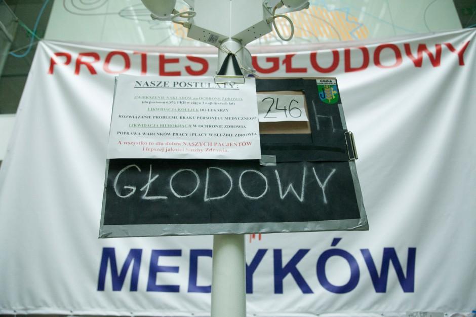 Szczecin: lekarze zakończyli protest głodowy po 10 dniach, ale to nie koniec