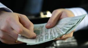 MZ: ile średnio zarabia lekarz, pielęgniarka, osoby wykonujące inne zawody medyczne