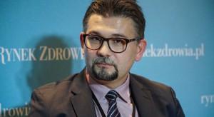 Prof. Banach: skrócenie odstępu między podaniami dawek szczepionek uzasadnione