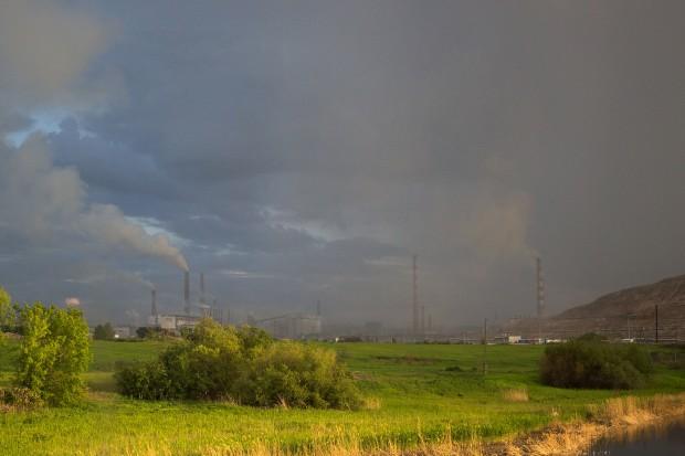 CBOS: dla 44 proc. badanych smog jest poważnym problemem w ich okolicy