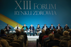 """XIII Forum Rynku Zdrowia: sesja """"Za czym kolejka ta stoi? Dostępność świadczeń opieki zdrowotnej w Polsce"""""""