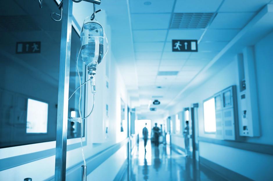 Resort wyjaśnia, szpitale nadal pytają
