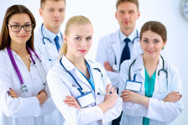 Czy będą zmiany w organizacji rezydentur? Ministerstwo Zdrowia nad nimi pracowało...