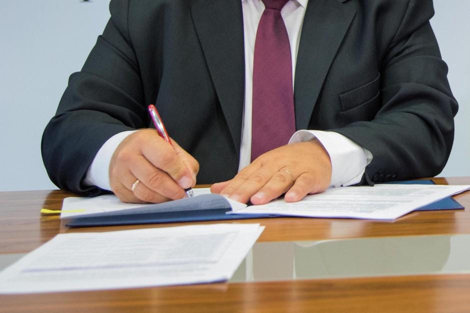 Opiniowanie projektów aktów prawnych było fikcją. Czy nowy minister to zmieni?
