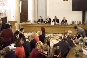 Sejm: minister zapowiada walkę z biurokracją i szybszą informatyzację ochrony zdrowia