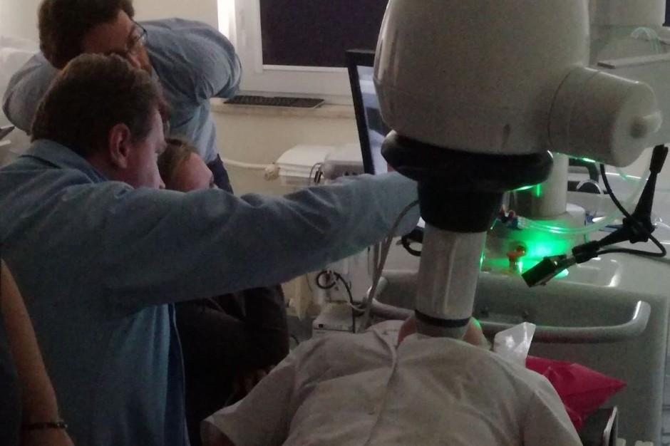 Kielce: ŚCO zakupiło urządzenie do nieinwazyjnego leczenie guzków tarczycy