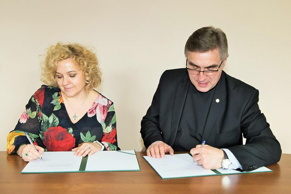 Lux Med nawiązał współpracę z Uniwersytetem Kardynała Stefana Wyszyńskiego