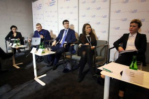 """HCC 2018: sesja """"Szczepienia - kalendarz zmian i spojrzenie w przyszłość"""""""