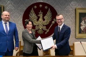 100 mln zł dla Warszawskiego Uniwersytetu Medycznego od EBI