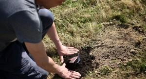 Częstochowa: ojcowie posadzili drzewka w ogrodzie szpitala na Parkitce
