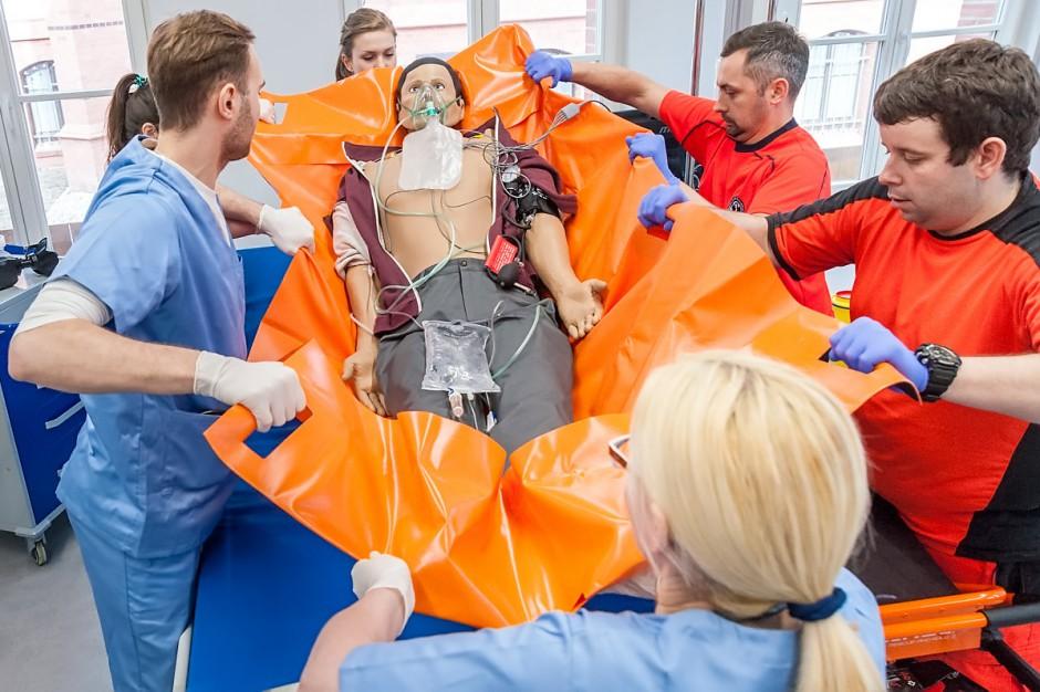 MZ: wycieczki edukacyjne dla uczniów do centrów symulacji medycznej
