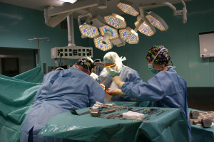 Lublin: dwóch anestezjologów z koronawirusem, wstrzymano zabiegi planowe w SPSK nr 4