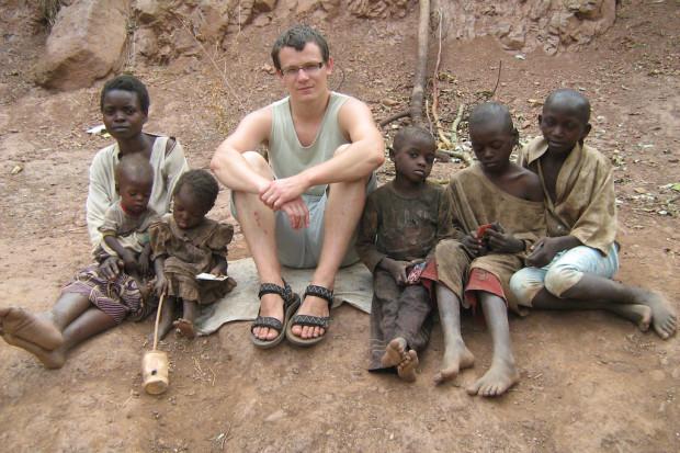 Studenci medycyny spędzą wakacje pracując w Afryce