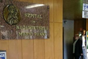 Częstochowski szpital ma karty praw pacjenta w alfabecie Braille'a