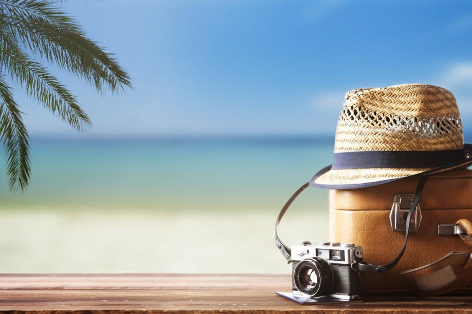 Leki na wakacjach? Warto przewozić je w oryginalnych opakowaniach