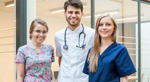 Katowice: ponad 7 osób na jedno miejsce na kierunku lekarskim SUM