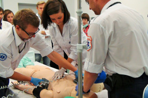 MZ: 93 mln zł z funduszy europejskich na profilaktykę i centra symulacji medycznej
