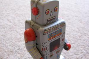 Naukowcy: roboty mogą manipulować dziećmi