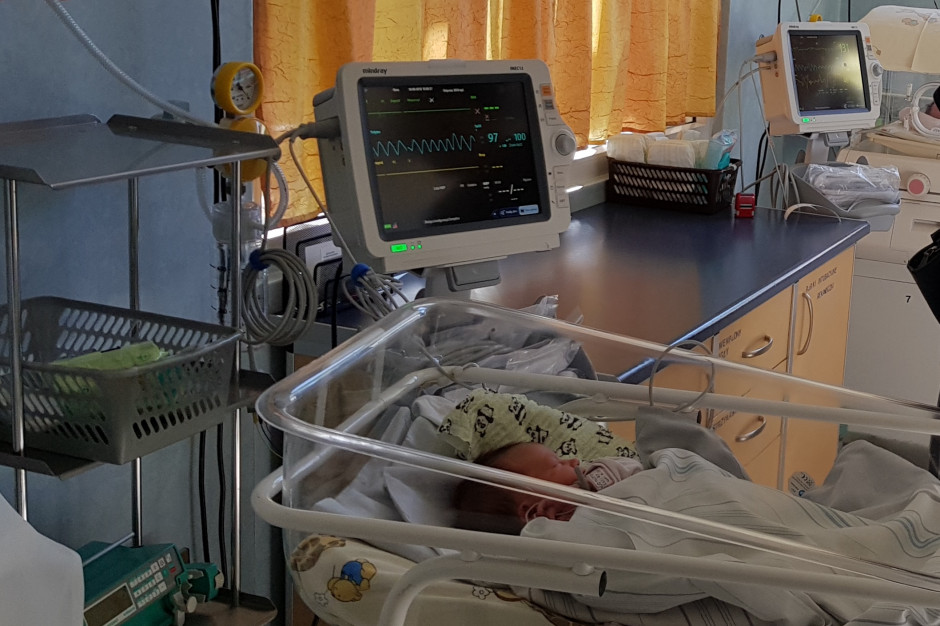 Łódź: szpital pediatryczny ma nowy inkubator dwutlenku węgla do badań genetycznych