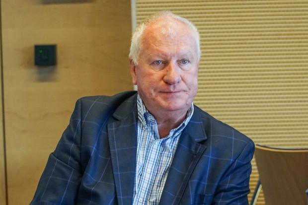 Prof. Bogdan Koczy: potrafimy pomóc operacyjnie pacjentom ze zmianami zwyrodnieniowymi kręgosłupa
