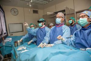 Warszawa: chirurdzy użyli rozszerzonej rzeczywistości przy wszczepianiu stentgraftu