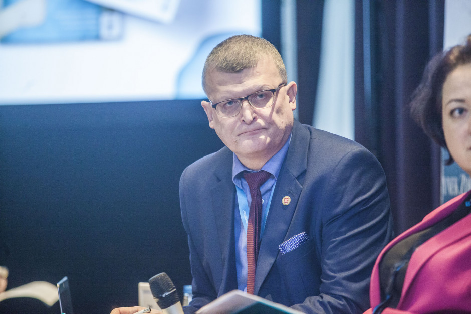 Dr Grzesiowski: dystrybucja szczepionek do punktów szczepieńwymaga zmian