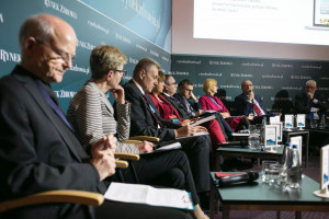 """XIV Forum Rynku Zdrowia: sesja """"Onkologia - obecne i postulowane rozwiązania organizacyjno-finansowe"""""""