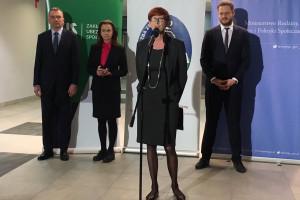 Minister Rafalska zachęca samorządy: dołączcie do programu opieki wychnieniowej