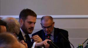 E-skierowania i kolejki: nowa ustawa potrzebna, ale obaw nie brakuje