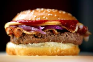 Za epidemię otyłości w USA odpowiada wysoko przetworzona żywność