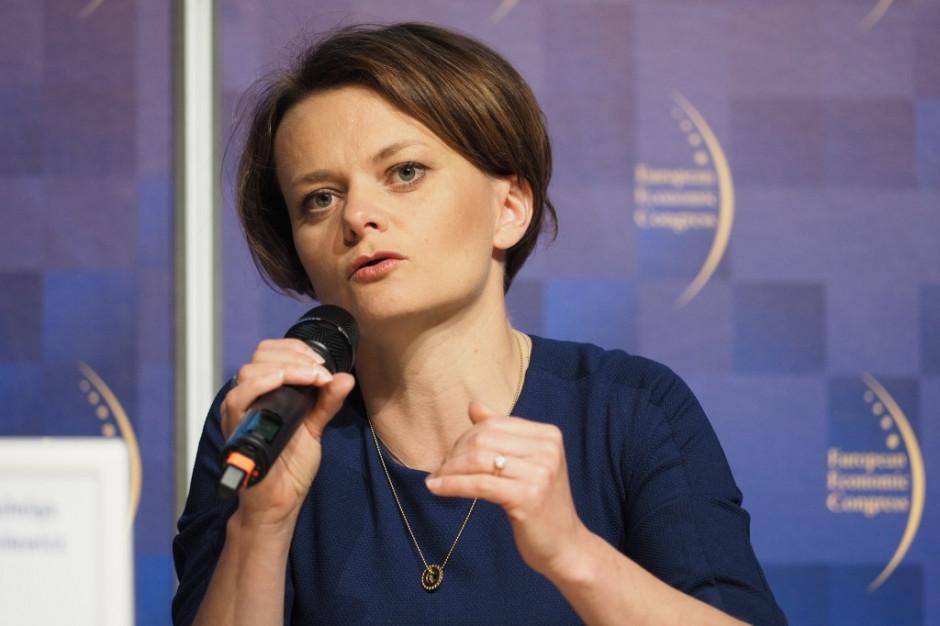 Emilewicz: 18 grudnia rozmowy o ograniczeniu wzrostu cen prądu, także dla szpitali