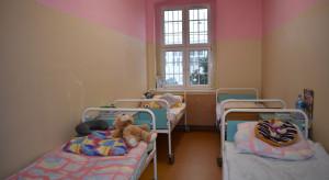 Katowice: nauczyciele towarzyszą swoim chorującym uczniom w szpitalu