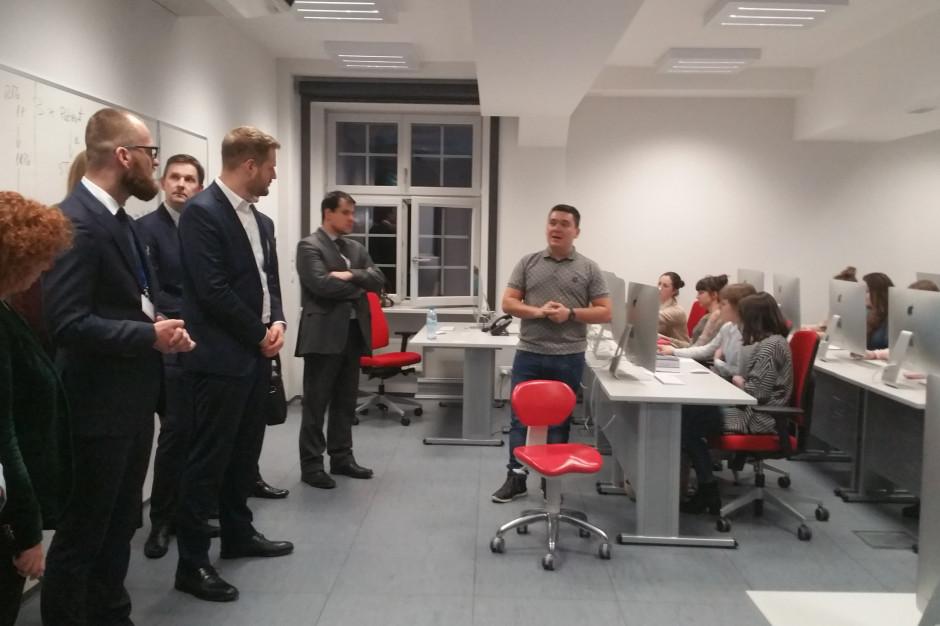 Zabrze: unijna i ministerialna delegacja w centrum symulacji SUM