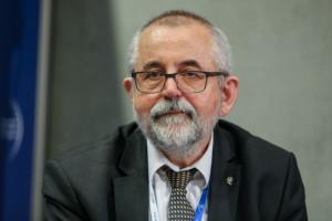 """Dr Ryszard Szozda: lekarz medycyny pracy nie może być tylko """"wystawcą kwitów"""""""