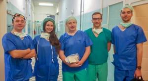 """Pierwsza w Polsce operacja wszczepienia endoprotezy stawu biodrowego """"custom-made"""""""