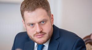 Wiceminister Cieszyński: liczba testów stale rośnie