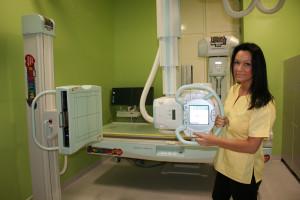 Kraków: szpital dziecięcy zyskał nowoczesny aparat RTG, terminy na badania są krótkie